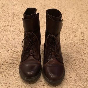 Vince Camuto Combat Boots 9.5